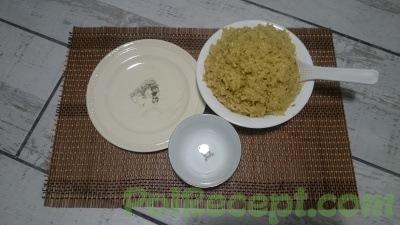 рис и тарелка