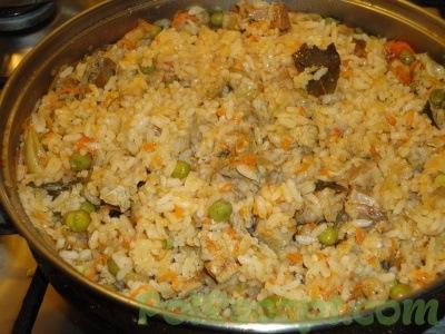 готовое блюдо в сковороде