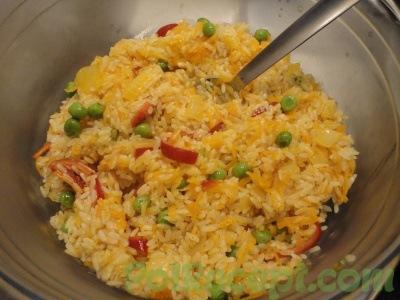 рис и овощи в форме