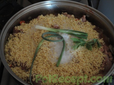 тушеное мясо и овощи с пшеном