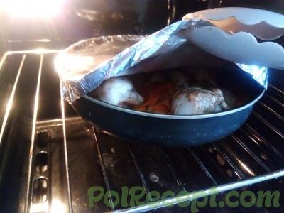 готовое блюдо под фольгой
