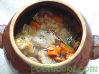 готовое блюдо в горшочках