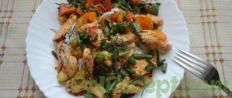 готовый рис на тарелке