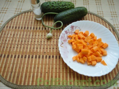 морковь на тарелке