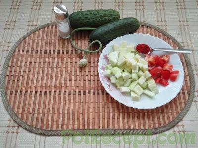 помидор и кабачок
